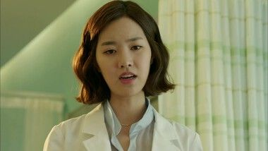 Hoon Checks Seung Hee's Heartbeat: Doctor Desconocido