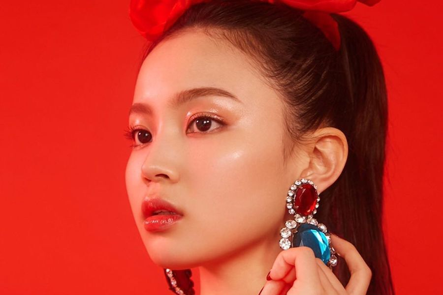 Update Lee Hi In Talks To Sign With Sunmi S Agency Following Departure From Yg Entertainment Soompi