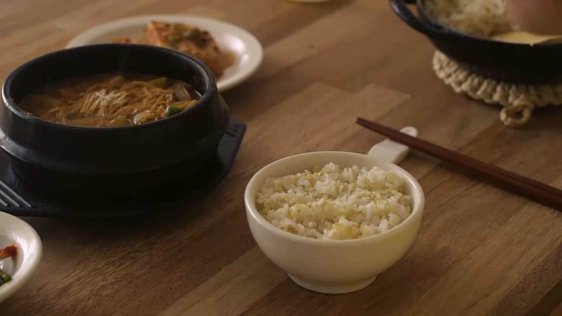 Honeykki Episode 214: Korean Home Meal: Tofu Jorim (Braised Tofu) and Doenjang Jjigae