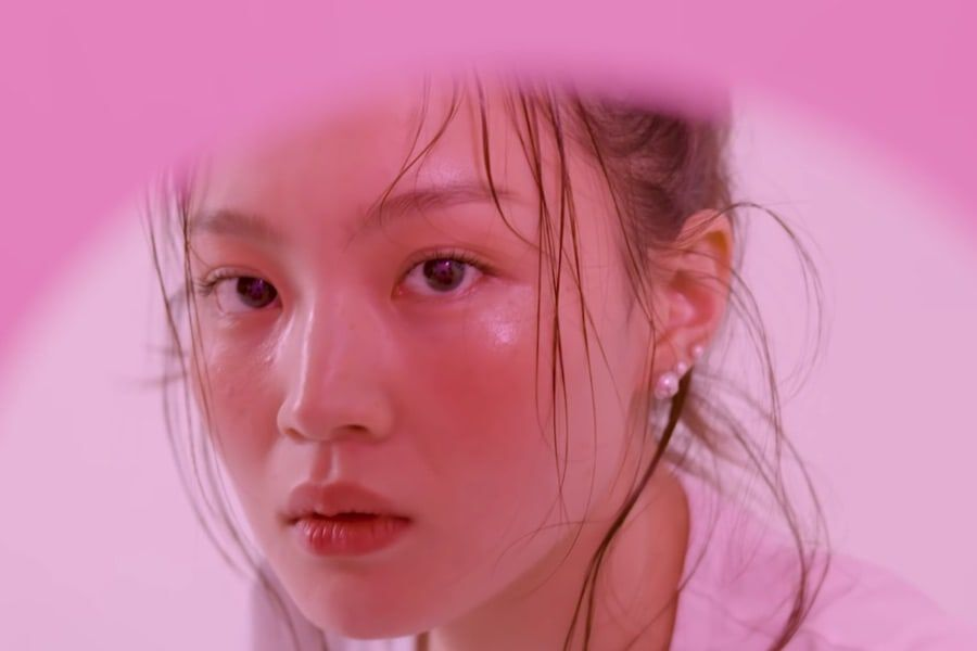 "Update: Lee Hi Is Riveting In Concept Teaser For Upcoming Title Track ""No One"" Featuring iKON's B.I"