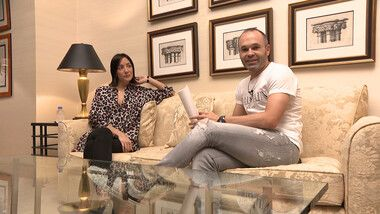 Iniesta TV: Interviews Episode 6: Conversations with Celebrities #1 First Interview with Anna, Iniesta's Wife (First part)