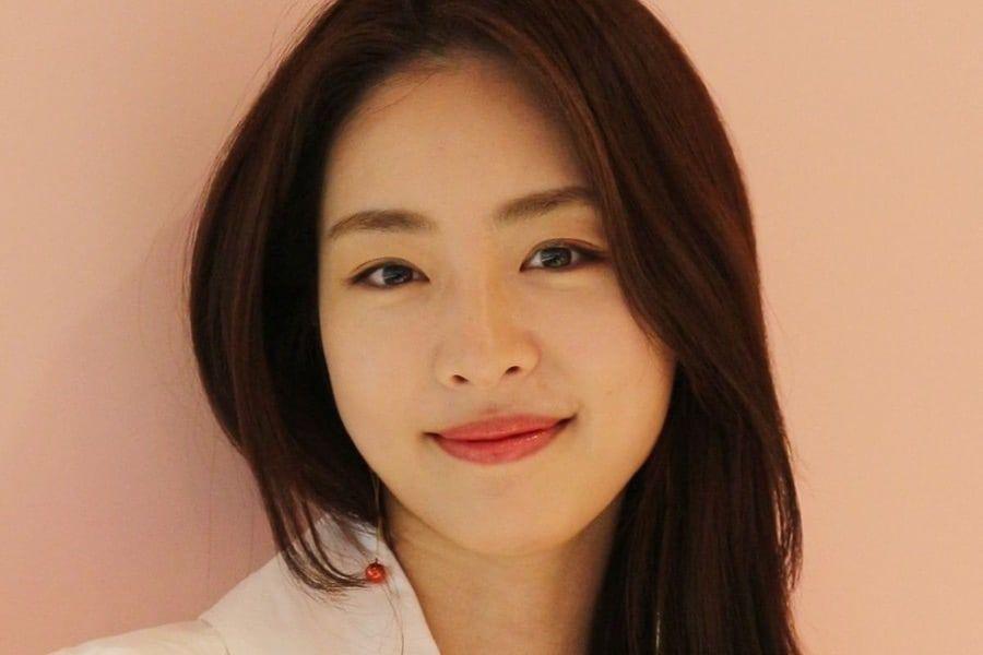 Lee Yeon Hee escribe carta sincera para anunciar matrimonio