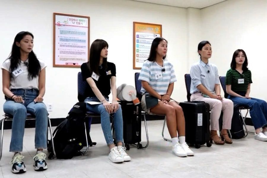 "Female Cast Of ""Real Men 300"" Become Solemn During Health Checkup"