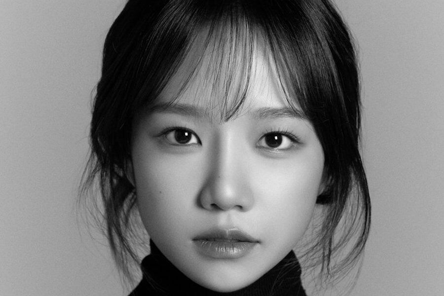 IZ*ONE's Jo Yu Ri Opens Official Social Media Accounts + Unveils New Profile Photos