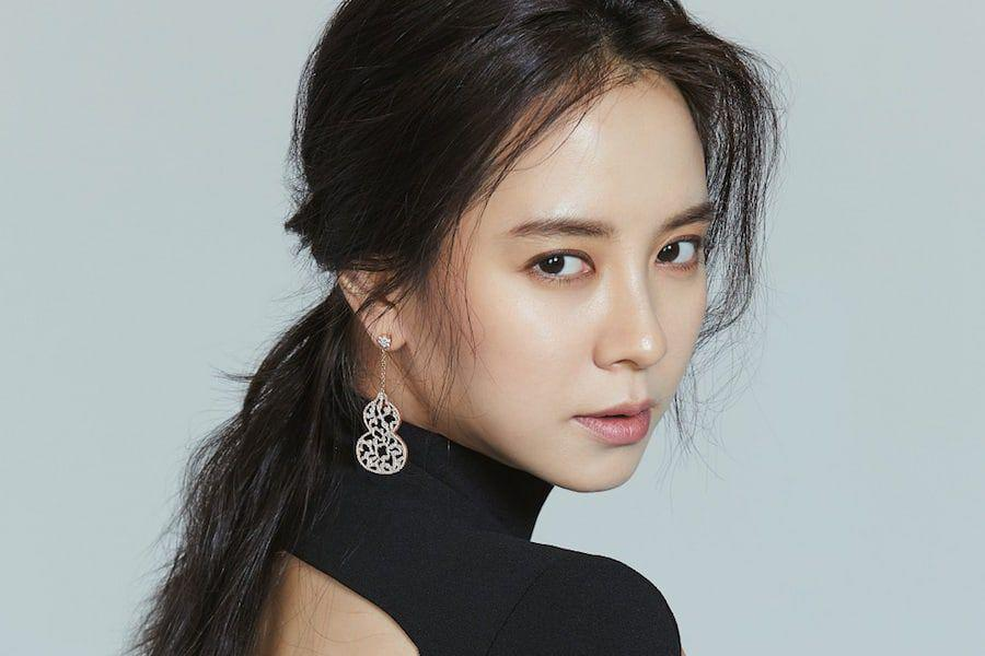 "Song Ji Hyo Speaks Up About The ""Me Too"" Movement And Need For ..."