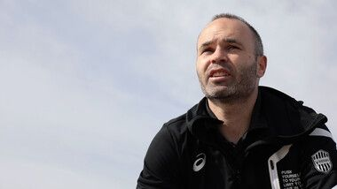 Iniesta TV: Interviews Episode 16: On the beach #2