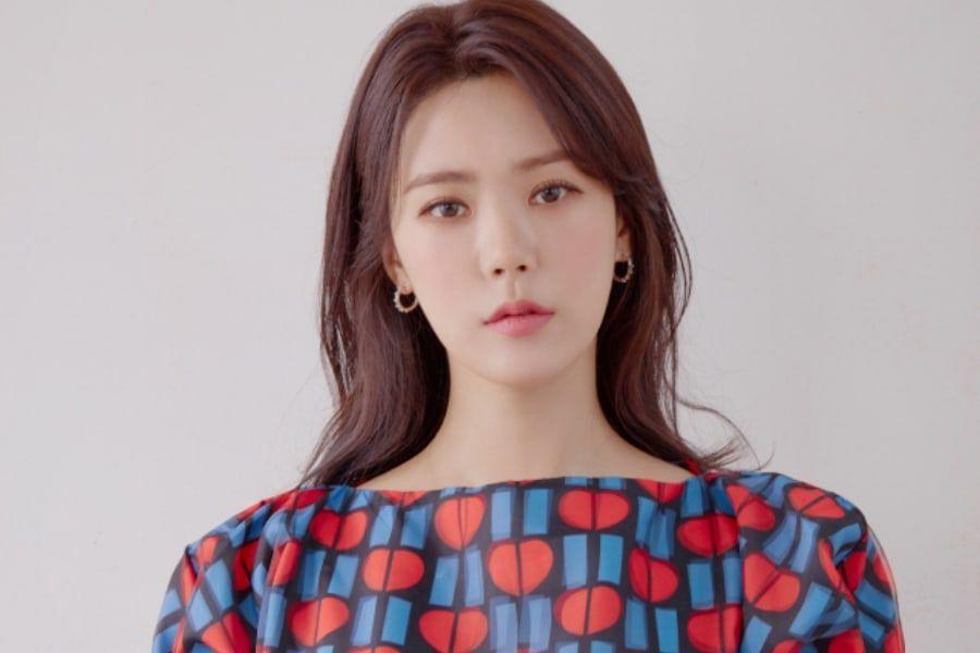 Park Soo Ah (Lizzy) Talks About After School Members' Ongoing Sisterhood | Soompi
