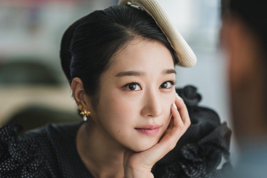 El próximo drama de tvN comparte un vistazo de Seo Ye Ji como una atractiva escritora de cuentos