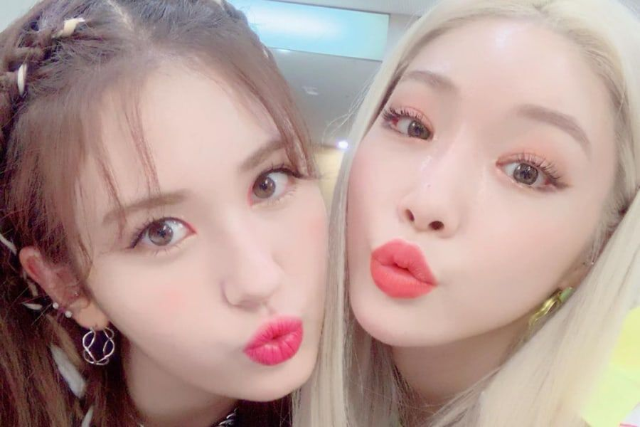 Jeon Somi And Chungha Show Their Friendship In Backstage Photos