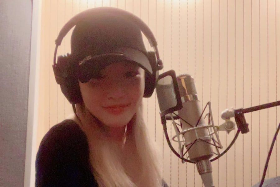 Chungha Teases I.O.I Comeback By Sharing Photos Of Herself In Recording Studio With Other Members