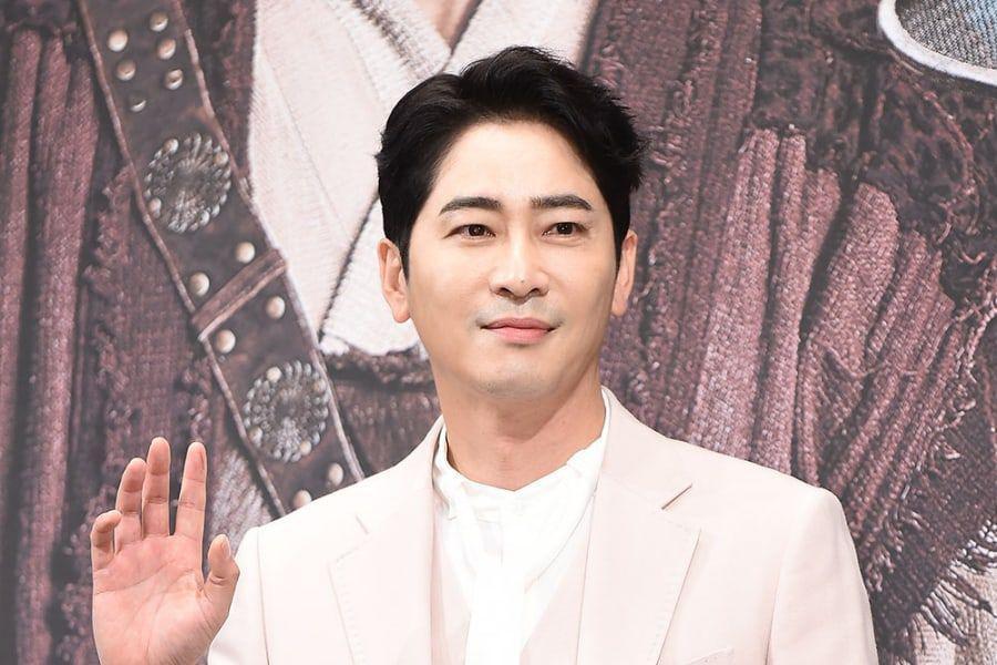 Actor Kang Ji Hwan Arrested For Sexual Assault