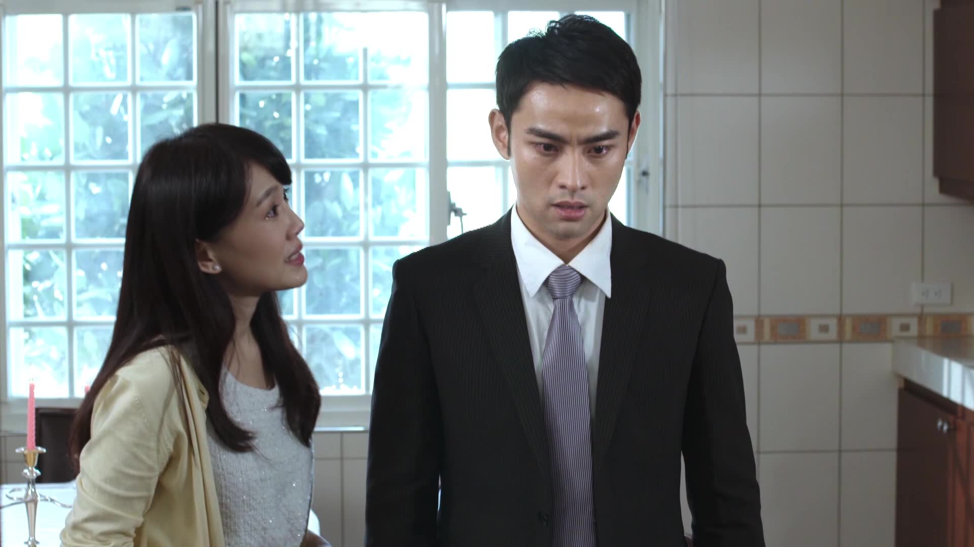 Dong Han finds out that Yong Mei is pregnant with his child: The New World
