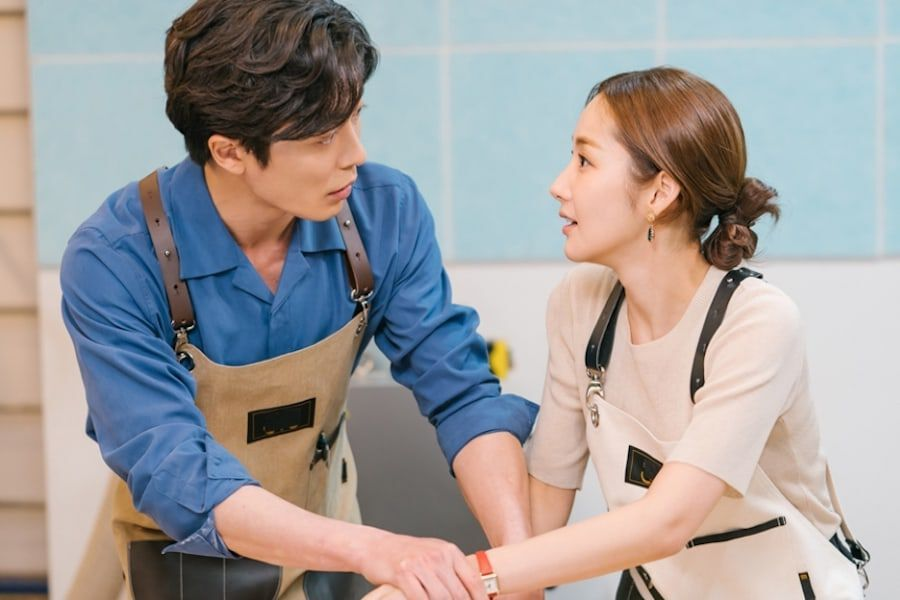 "Kim Jae Wook And Park Min Young Enjoy A Sweet Woodworking Date In ""Her Private Life"""