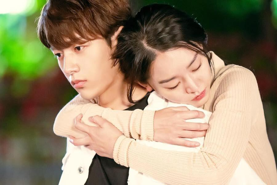 """INFINITE's L And Shin Hye Sun Share A Sweet Piggyback Ride In """"Angel's Last Mission: Love"""" Teasers"""