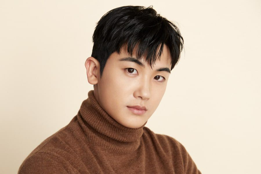 Park Hyung Sik Moves To New Agency With His Managers