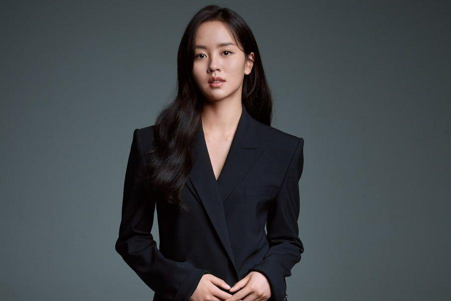 Kim So Hyun Is Dazzling In Profile Photos From New Agency