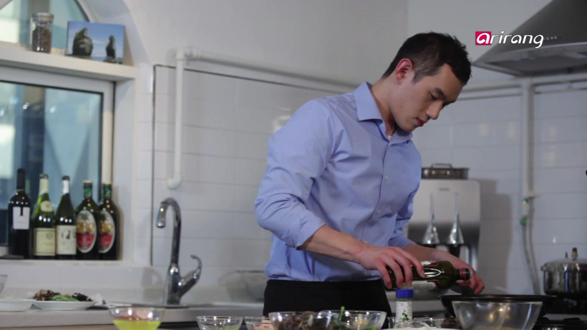 My Little Kitchen Season 1 Episode 1: Prawn and Beef Japchae, Bulgogi Salad