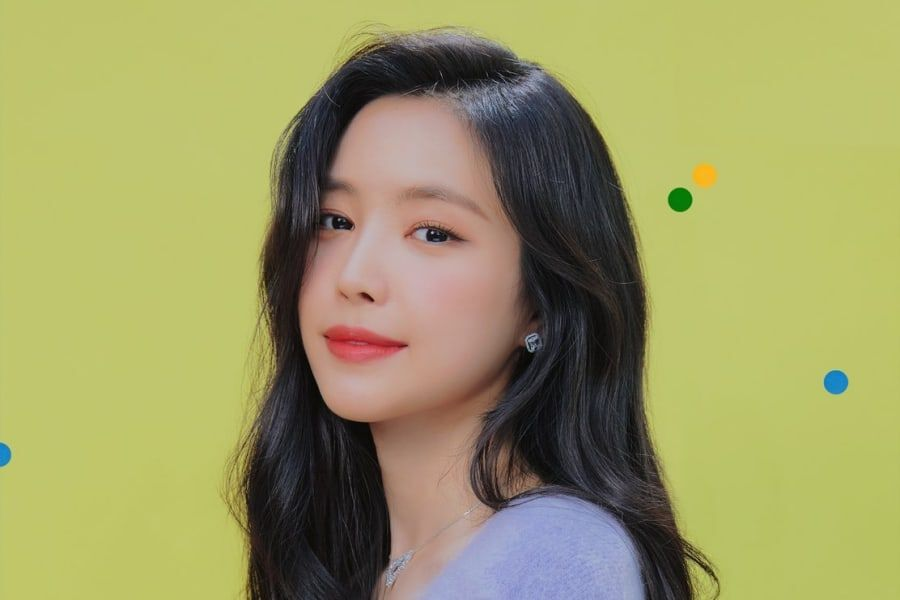 Son Naeun Opens Up About Apink's Future & Leaving Play M In Heartfelt Letter