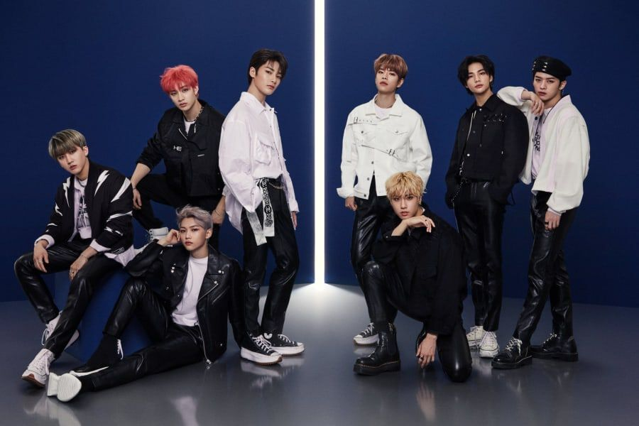 """Stray Kids Goes Gold In Japan For 1st Time With """"TOP"""""""