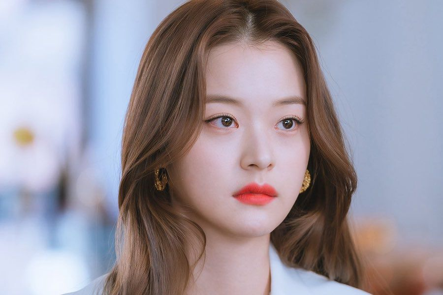 """Shin Do Hyun Gets Stuck In A Love Triangle In Upcoming Drama """"Doom At Your Service"""" » GossipChimp 