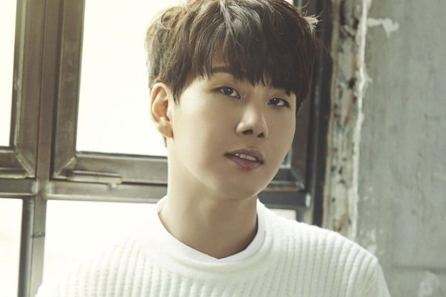 VROMANCE's Park Jang Hyun Announces Marriage