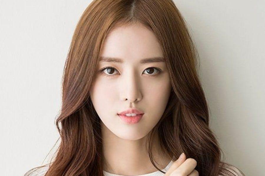Imagini pentru Actress Han Ji Sun fined for assaulting a taxi driver and the police