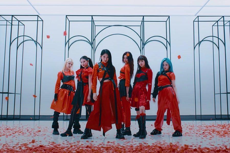 "Watch: EVERGLOW Is Triumphant In Fierce ""FIRST"" Comeback MV   Soompi"