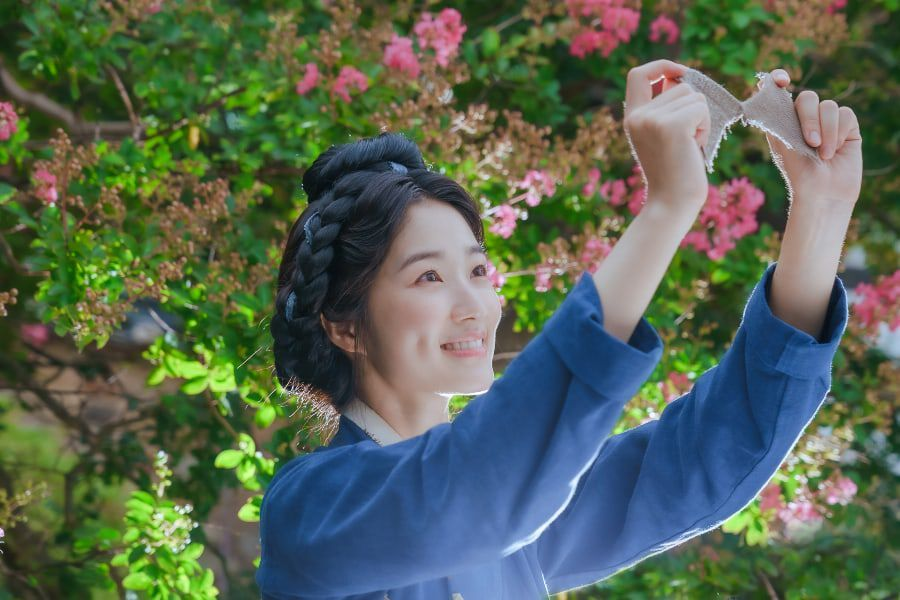 """Kim Hye Yoon Talks About Her New Historical Drama """"Royal Secret Inspector Joy"""" With 2PM's Taecyeon"""
