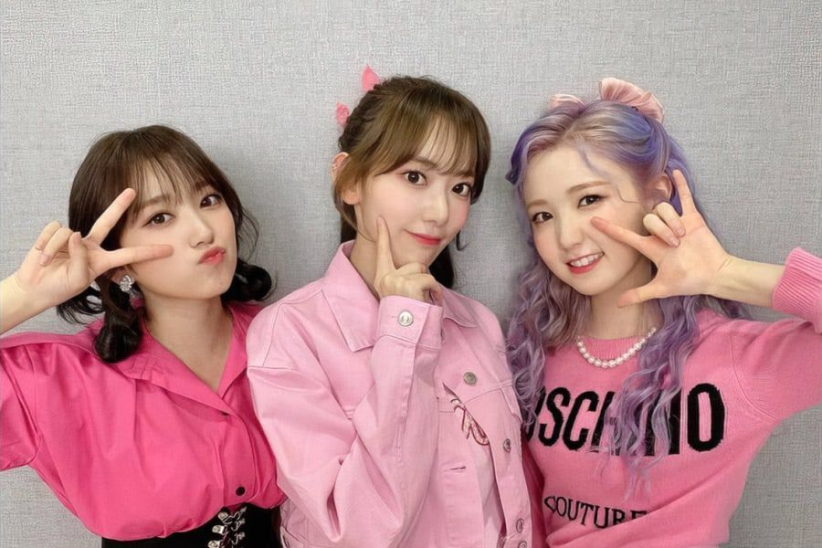 Watch: IZ*ONE's Miyawaki Sakura, Yabuki Nako, And Honda Hitomi Head Back To Japan