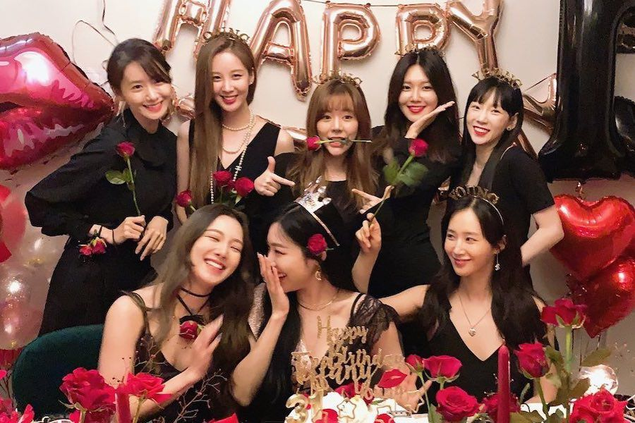 Girls' Generation Is Full Of Love For Each Other And Fans In Posts Celebrating Their 13th Anniversary | Soompi