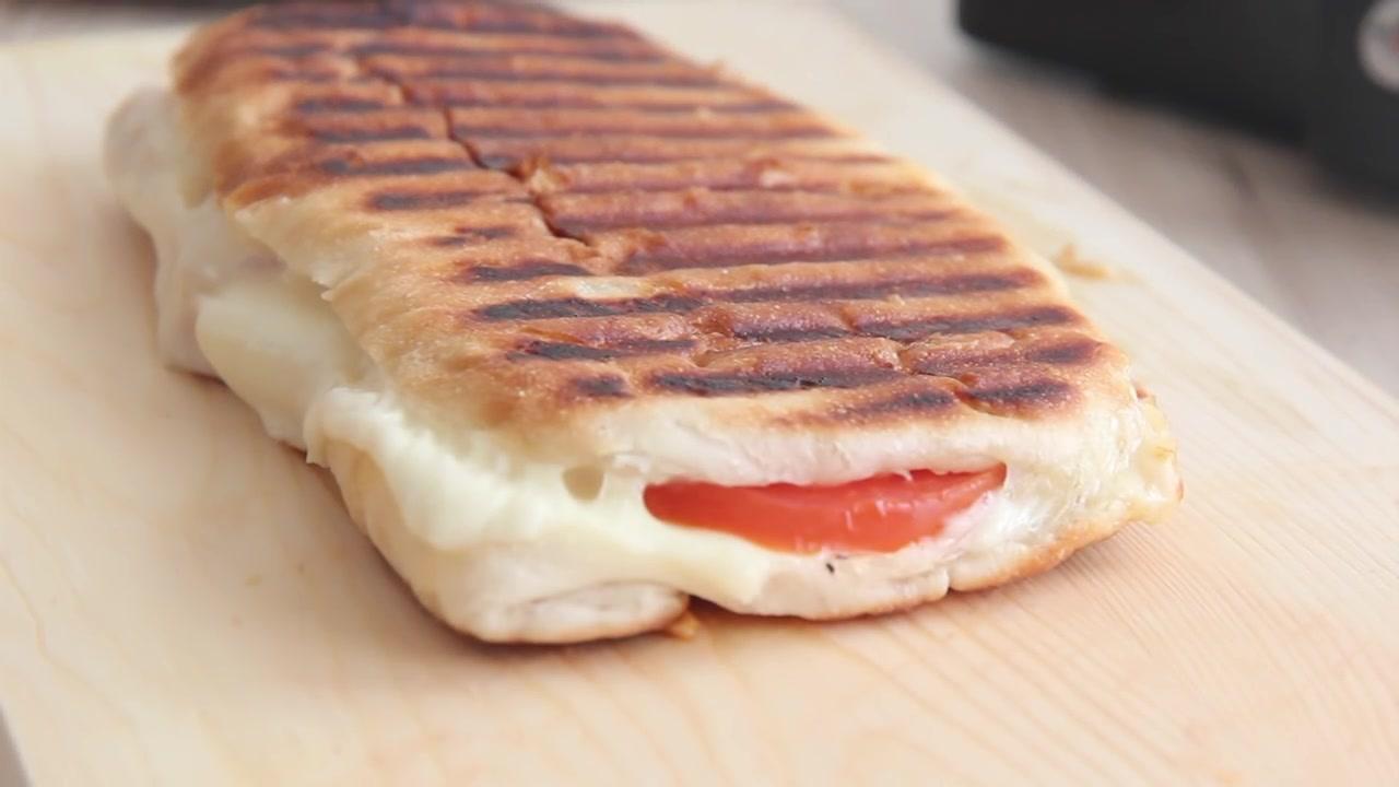 Honeykki Episode 175: Grilled Tomato Mozzarella Panini