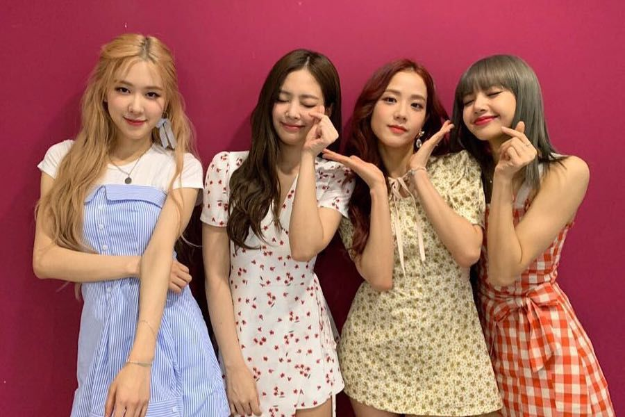 BLACKPINK And Fans Celebrate Their 3rd Anniversary + Jennie