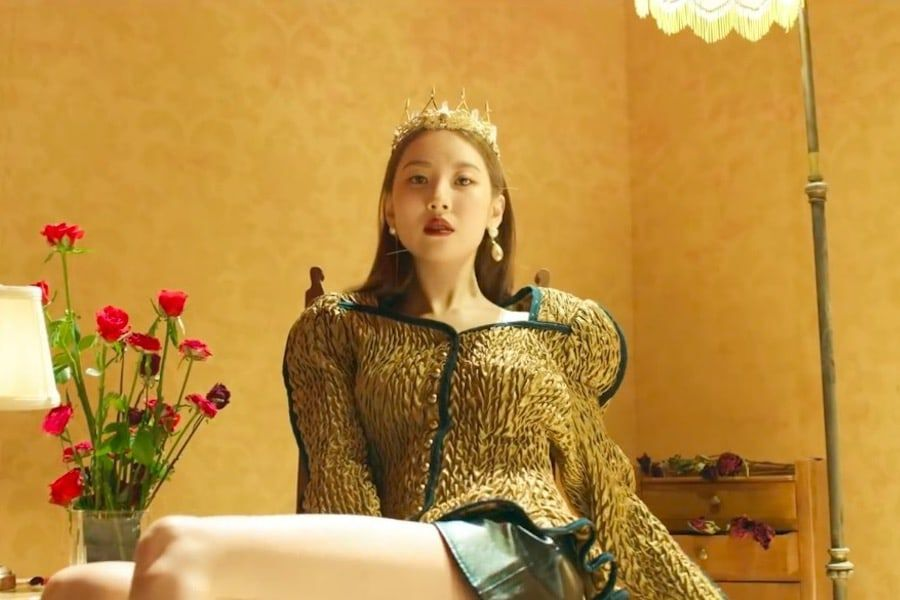 """Sunmi Reigns Over All Major Realtime Charts With """"Siren"""""""