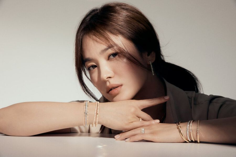 "Song Hye Kyo Confirmed To Lead New Drama By ""Descendants Of The Sun"" Screenwriter Kim Eun Sook"
