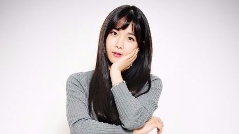 Hyun Young age