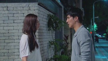 Aggie Hsieh Kisses Melvin Sia: To the Dearest Intruder