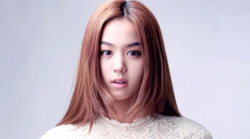 Kim Hee Jung (1992)