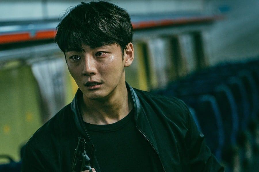 """Yoon Shi Yoon Makes A Daring Decision That May Change His Fate Forever In """"Train"""""""