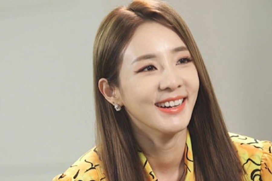 Sandara Park Talks About Her Youthful Appearance , Her First Musical , And More