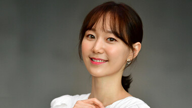 Lee Yoo Young