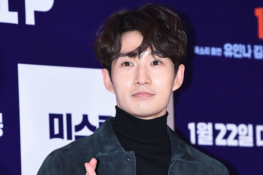 Ryu Deok Hwan Shares Handwritten Letter Announcing Plans To Marry Girlfriend Of 7 Years Soompi