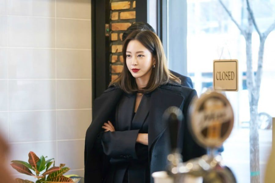 "Han Ye Seul Shares Excitement For Taking On A New Kind Of Character In ""Big Issue"""