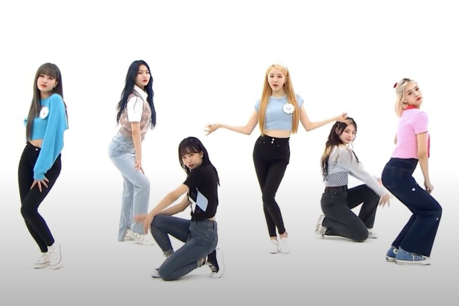 """Watch: STAYC Covers Red Velvet's """"Psycho"""" & HyunA's """"Bubble Pop"""" On """"Weekly Idol"""""""