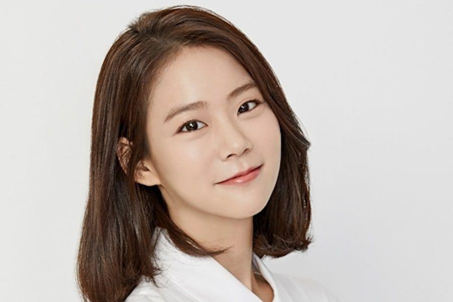 Former KARA Member And Actress Han Seung Yeon Joins YGX