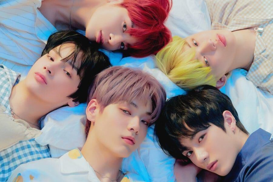"TXT toma el primer lugar de la lista diaria de álbumes de Oricon con ""The Dream Chapter: ETERNITY"""