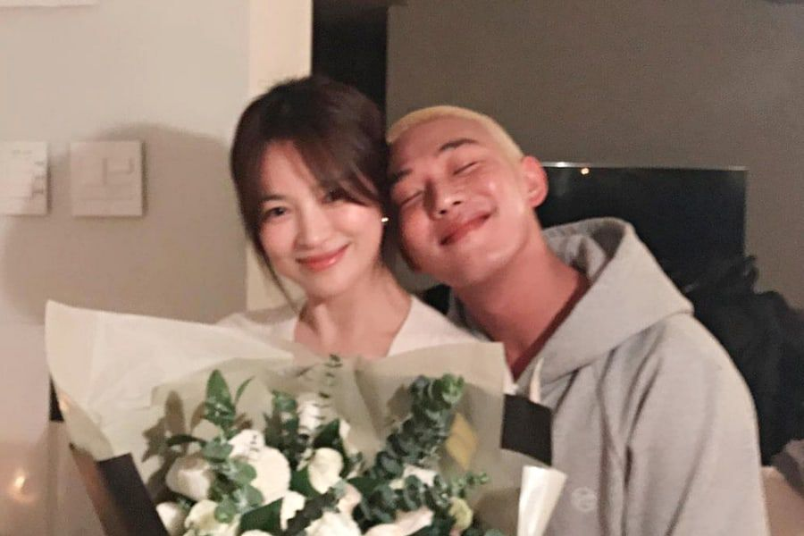 Song Hye Kyo Shares Adorable Photo With Yoo Ah In And Her Dog From Recent Hangout