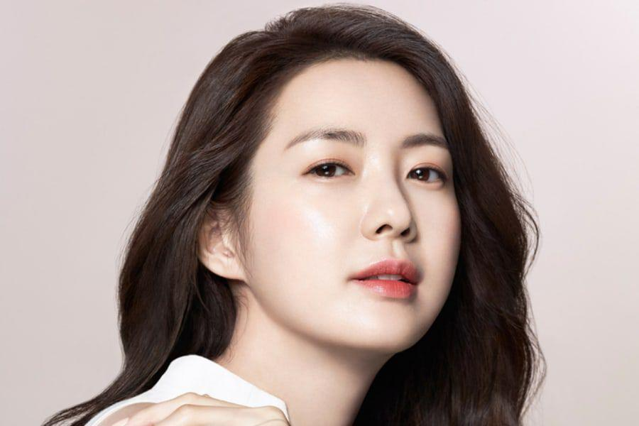 Lee Yo Won In Talks To Make Long-Awaited Return To Small Screen In New Drama