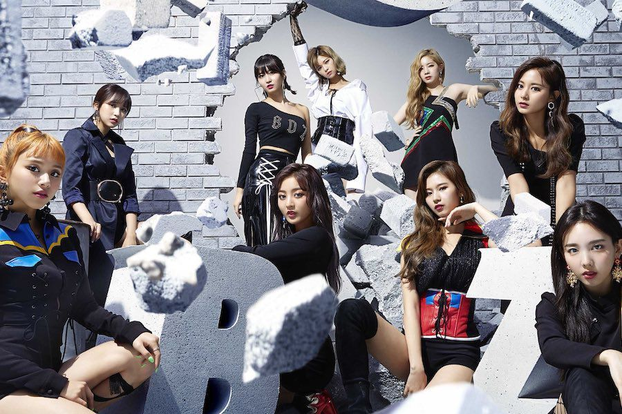 "TWICE Tops Oricon's Daily Album Chart With ""BDZ"" 