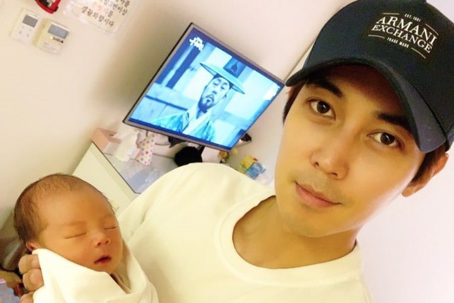 Actor Kim Hyung Min Tearfully Welcomes 1st Child