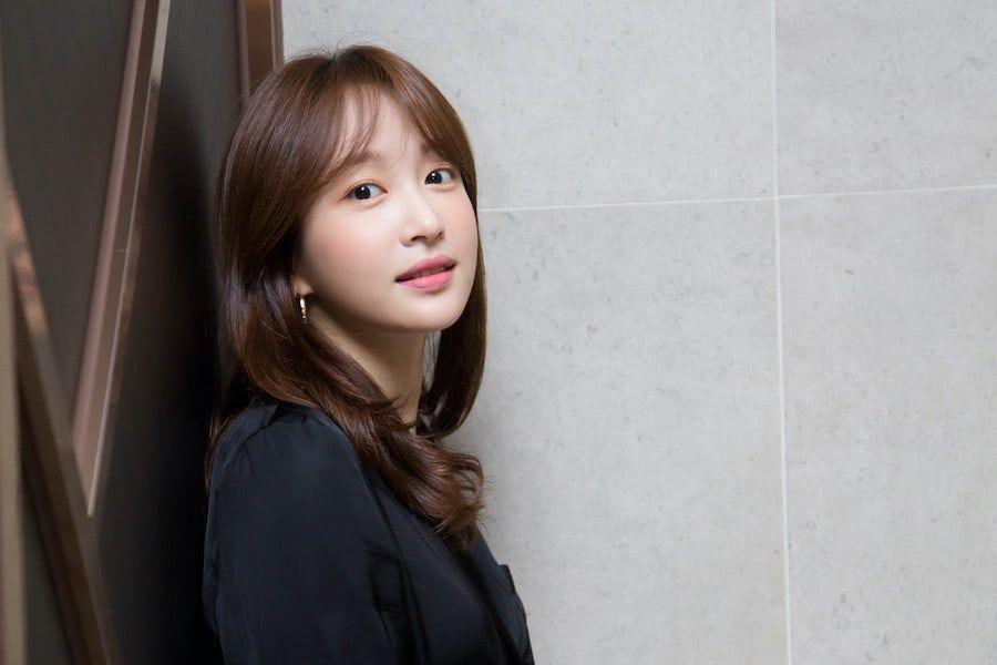 Hani | Soompi